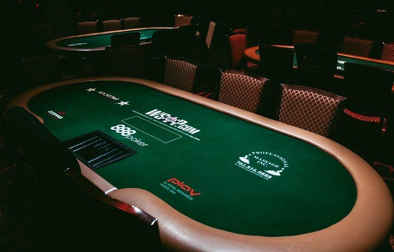 Na co zwracać uwagę, wybierając pokerową grę?