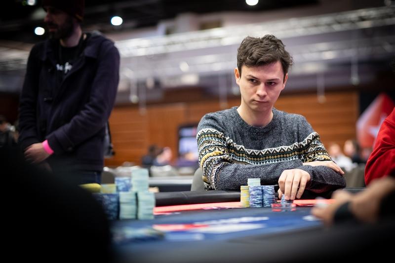 7 pokerowych telli, na które powinieneś zwrócić uwagę